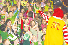 """<div class=""""source""""></div><div class=""""image-desc"""">Owen County Primary students get fired up when Ronald McDonald paid a visit to thank the students.</div><div class=""""buy-pic""""><a href=""""/photo_select/9126"""">Buy this photo</a></div>"""