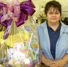 "<div class=""source""></div><div class=""image-desc"">Ann Hawkins
