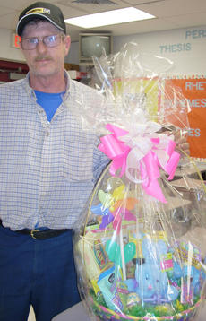 "<div class=""source""></div><div class=""image-desc"">Gerald Stamper