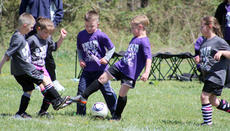 """<div class=""""source""""></div><div class=""""image-desc"""">Price Griffin and Eli Myers of the HotShots battle for possession against Ethan Young and Ellie Anderson of the Big Monsters.</div><div class=""""buy-pic""""><a href=""""http://web2.lcni5.com/cgi-bin/c2newbuyphoto.cgi?pub=033&orig=IMG_1480%255B1%255D.jpg"""" target=""""_new"""">Buy this photo</a></div>"""