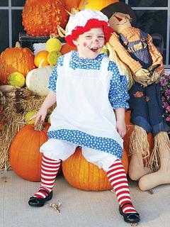 Liddie June Smith as Raggedy Ann