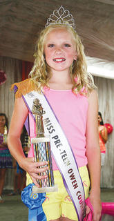 Maddie Walker was crowned 2013 Miss Preteen Owen County Fair.
