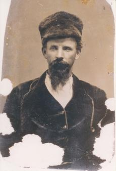 "<div class=""source"">from the family collection of his son, Frank H. Green</div><div class=""image-desc"">John William Green enlisted in the Confederate Army, Company G, 4th Cavalry, 01 May,1862; surrendered & paroled at Mt. Sterling, KY, May 1865 </div><div class=""buy-pic""></div>"