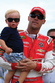 "<div class=""source"">Photo by Will Hearne</div><div class=""image-desc"">Kevin Harvick with Keelen Paul Harvick</div><div class=""buy-pic""><a href=""/photo_select/11944"">Buy this photo</a></div>"